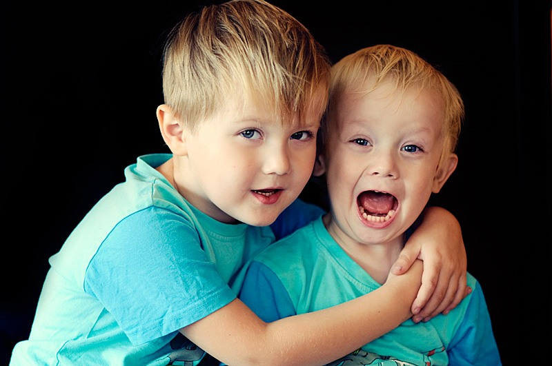 Поздравление двоюродному брату с днем рождения от сестры в стихах